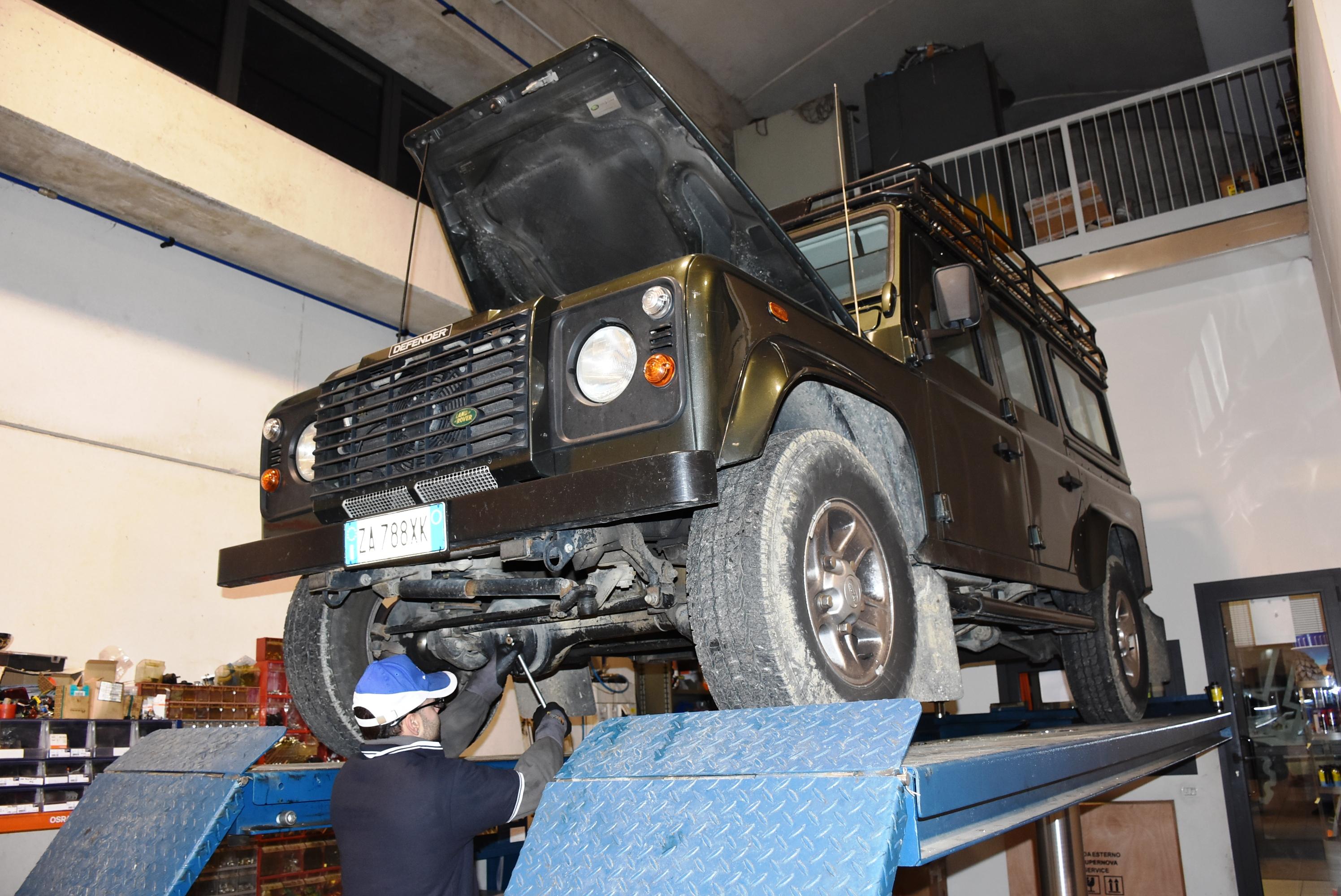 Land Rover Defender anteriore principale/ /Griglia radiatore